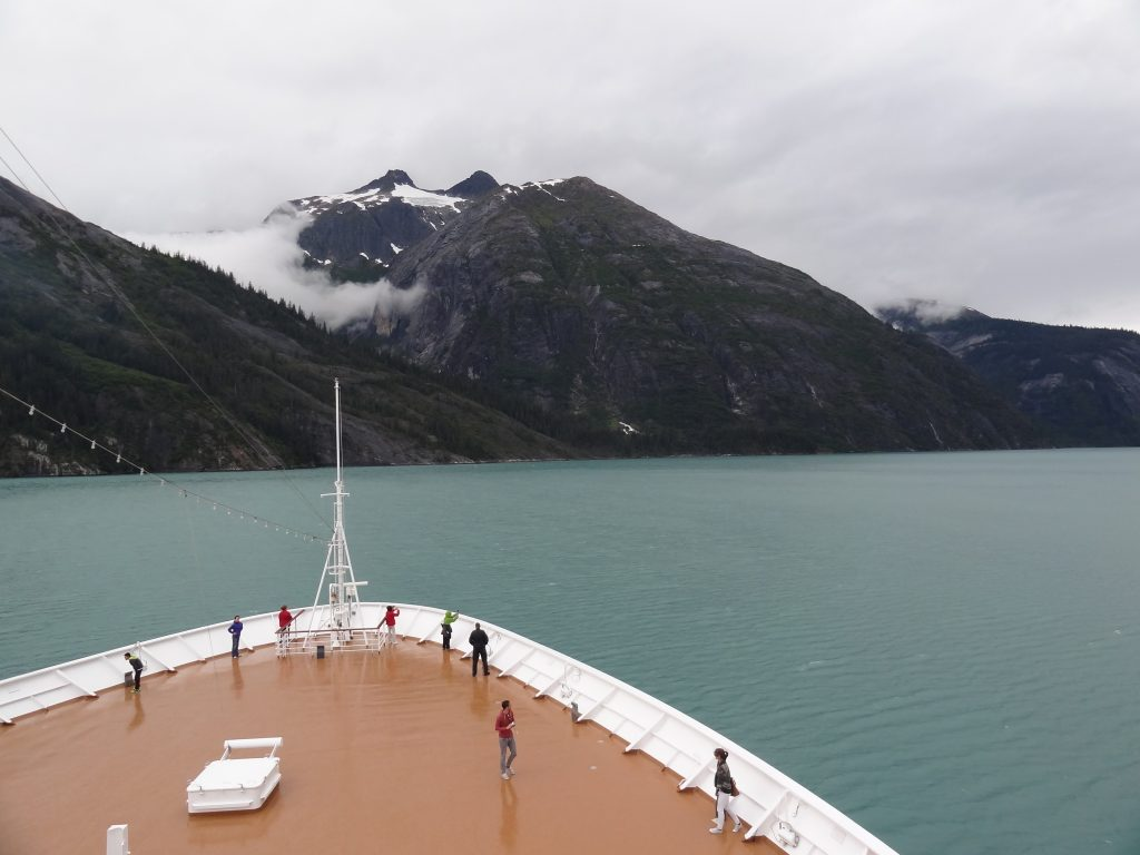 Per cruiseschip door Glacier Bay