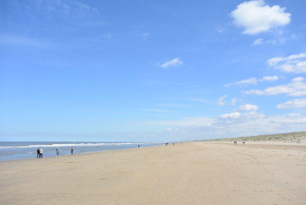 Het strand ten noorden van Noordwijk