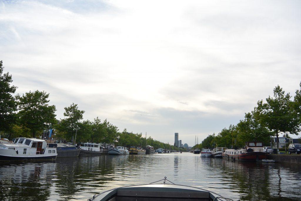 Naar Leeuwarden per praam