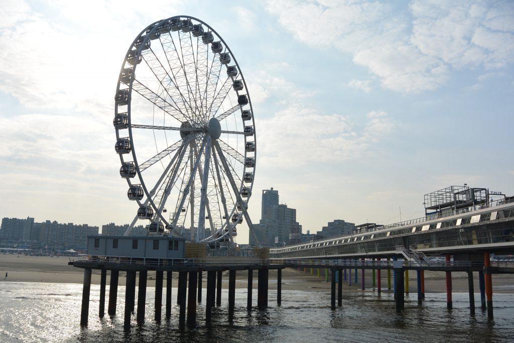 Het reuzenrad op de pier