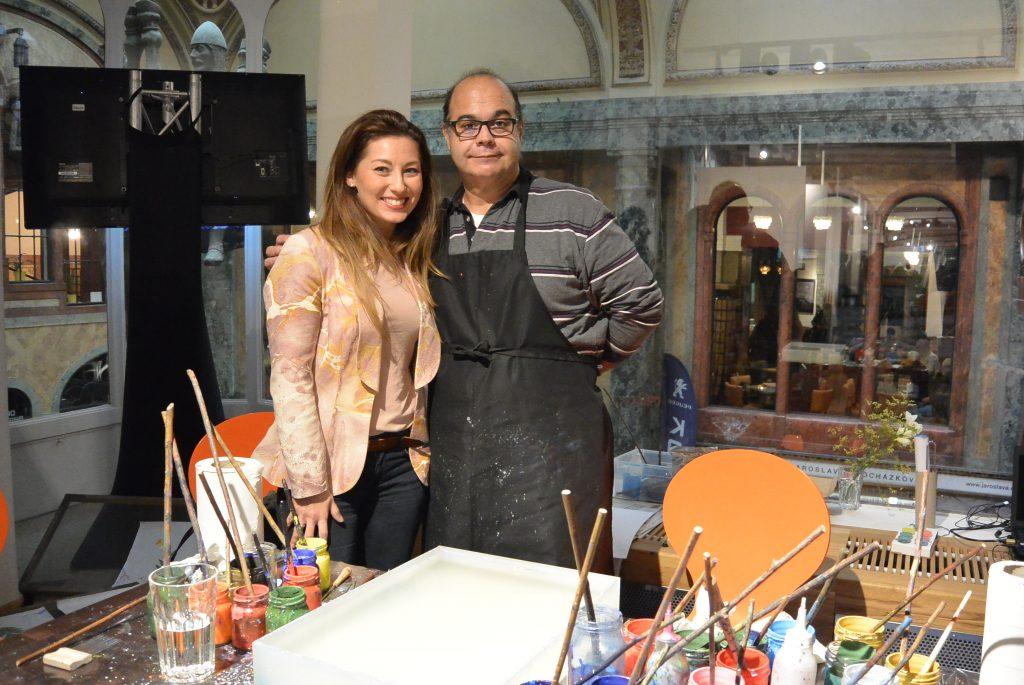 Ebru met de Spaanse kunstenaar Antonio
