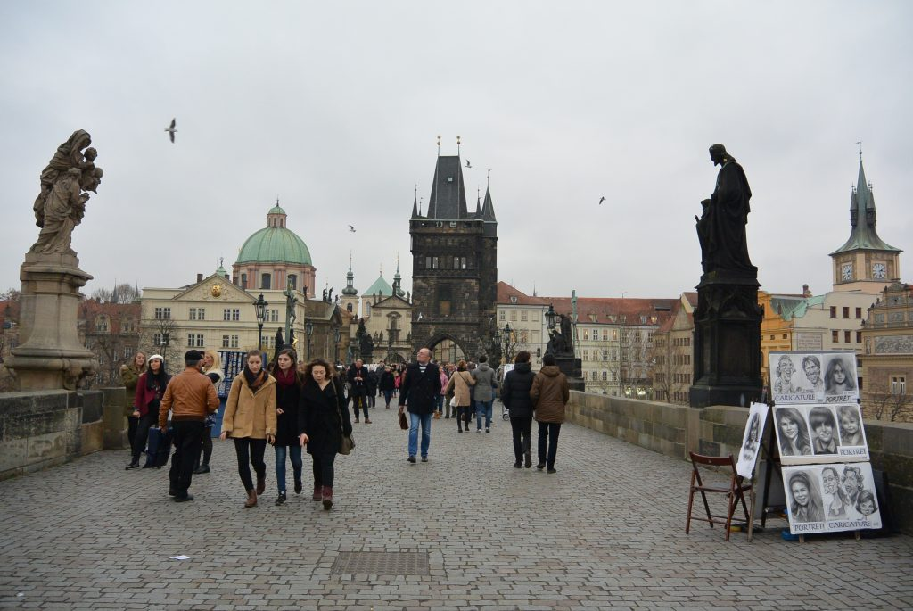 Op de Charles Bridge