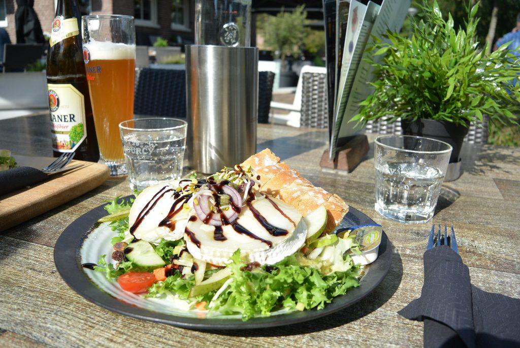 Salade geitenkaas bij Grachthof